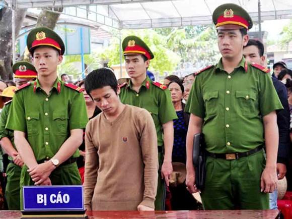 Quảng Ngãi: Tử hình đối tượng đâm chết người vì tiếng nẹt pô xe máy ảnh 1