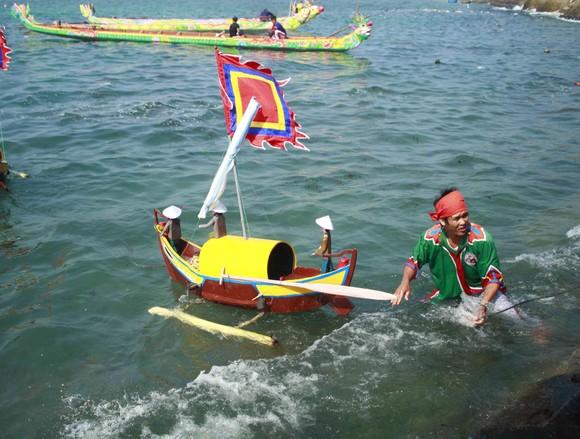 Lễ khao lề thế lính Hoàng Sa trên đảo Lý Sơn (Quảng Ngãi) ảnh 7