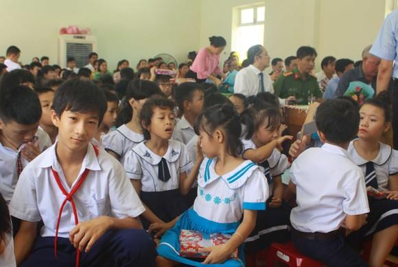 Nhiều học sinh Trung tâm Võ Hồng Sơn hòa nhập cộng đồng ảnh 1