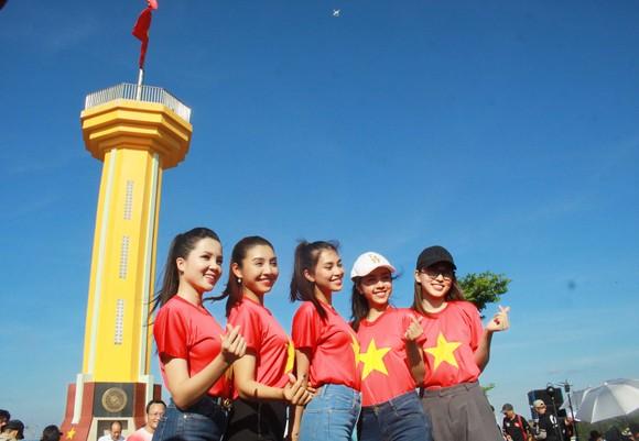 Lễ thượng cờ trên đỉnh Thới Lới, đảo Lý Sơn  ảnh 11