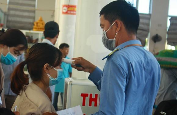 Tăng chuyến tàu đưa hơn 2.000 khách rời đảo Lý Sơn, Quảng Ngãi ảnh 5