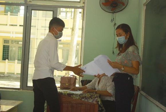 Quảng Ngãi: Hơn 390 thí sinh tham dự kỳ thi tốt nghiệp THPT đợt 2  ảnh 6