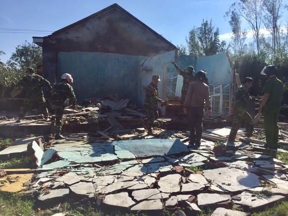 Nghệ An: Ngập lụt, nguy cơ sạt lở nhiều nơi, di dời dân khẩn cấp ảnh 20