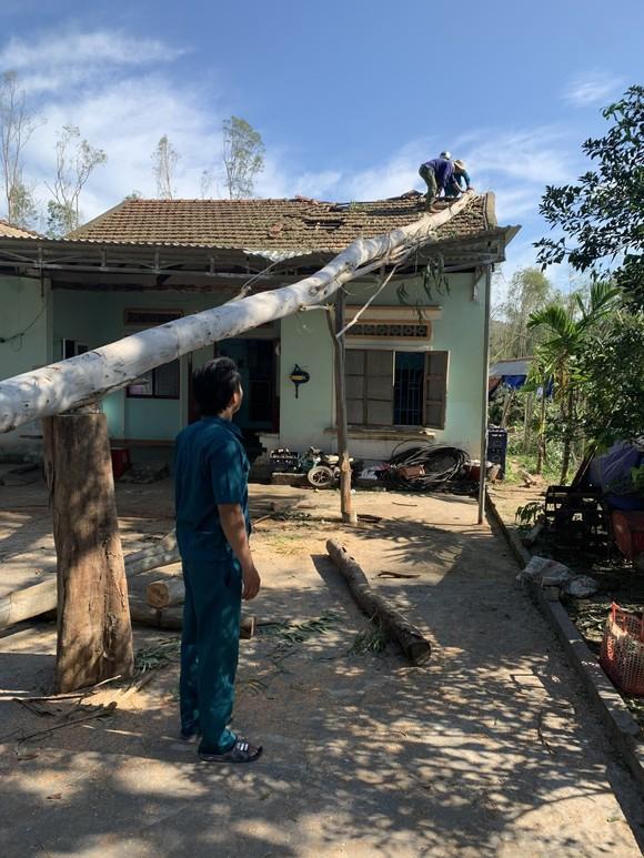 Nghệ An: Ngập lụt, nguy cơ sạt lở nhiều nơi, di dời dân khẩn cấp ảnh 19