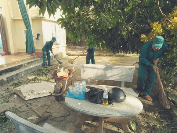 Nghệ An: Ngập lụt, nguy cơ sạt lở nhiều nơi, di dời dân khẩn cấp ảnh 8