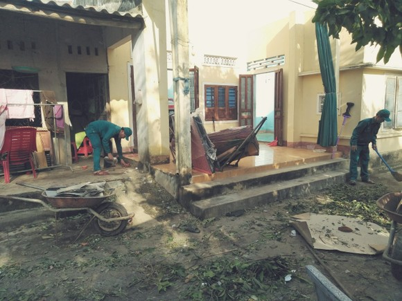 Nghệ An: Ngập lụt, nguy cơ sạt lở nhiều nơi, di dời dân khẩn cấp ảnh 16