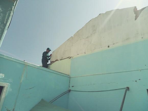 Nghệ An: Ngập lụt, nguy cơ sạt lở nhiều nơi, di dời dân khẩn cấp ảnh 14