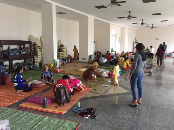 3 huyện miền núi tỉnh Quảng Ngãi di dời dân nằm trong vùng sạt lở trước 17 giờ hôm nay 3-11 ảnh 1
