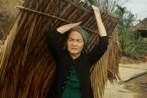 Xóm ốc đảo sông Trà Bồng khắc phục sau lũ ảnh 9