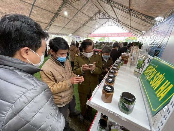 Bí thư Tỉnh ủy Quảng Ngãi chia sẻ, giải quyết khó khăn cho nông dân ảnh 2