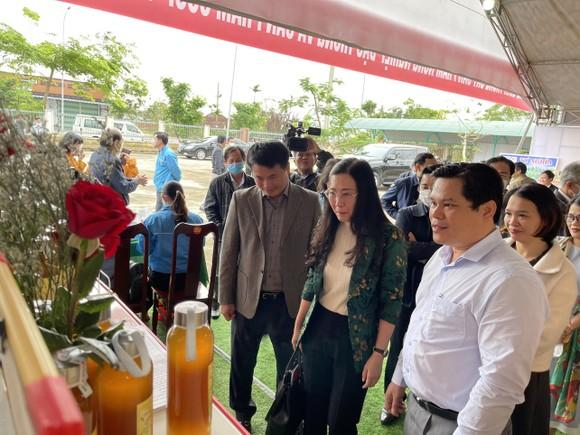 Bí thư Tỉnh ủy Quảng Ngãi chia sẻ, giải quyết khó khăn cho nông dân ảnh 1