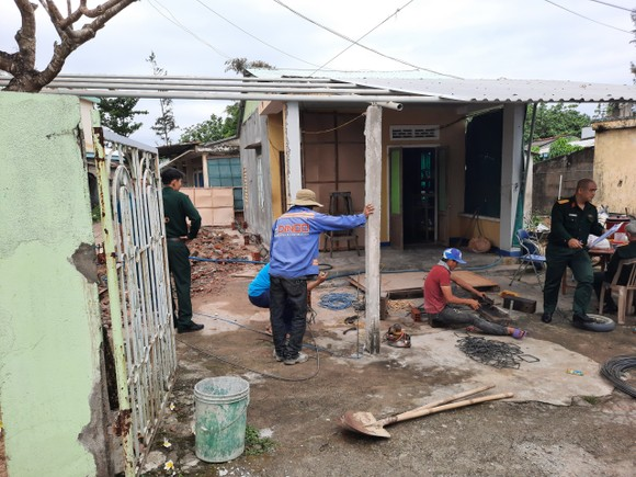 Bộ đội xây nhà tình nghĩa cho dân xứ biển ảnh 4