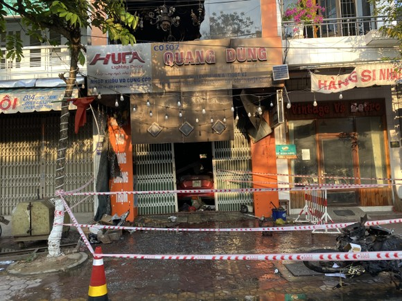 Quảng Ngãi: Hỏa hoạn cửa hàng kinh doanh, một gia đình 4 người thiệt mạng ảnh 1