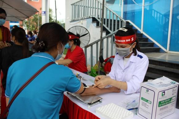 Quảng Ngãi: 600 người tham gia hiến máu tình nguyện  ảnh 1