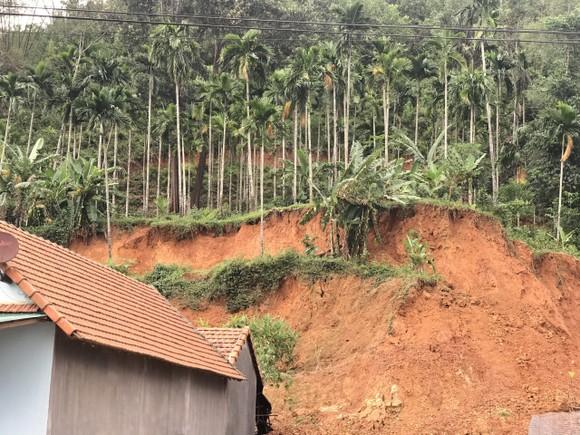 Khẩn cấp chống sạt lở núi Van Cà Vãi  ảnh 2