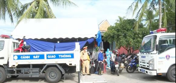 Quảng Ngãi: Cảnh báo nguy cơ dịch Covid-19 khi người dân từ miền Nam tự về bằng xe cá nhân ảnh 3