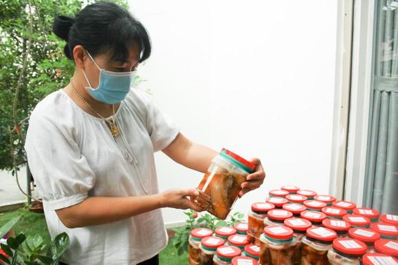 Hai chuyến hàng trị giá 700 triệu đồng của một gia đình ở Quảng Ngãi ủng hộ người dân TPHCM ảnh 5