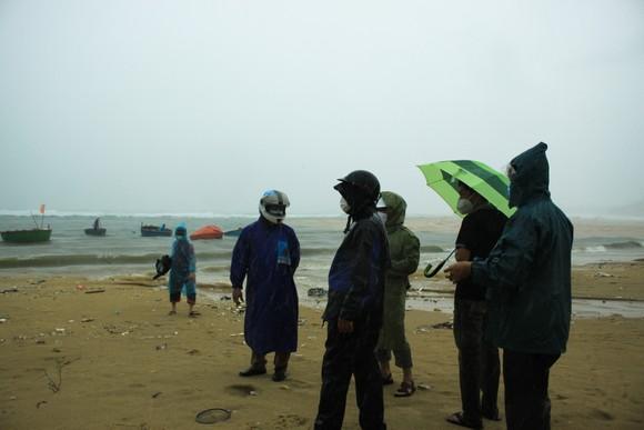 Các tỉnh miền Trung khẩn trương ứng phó bão số 5 đổ bộ  ảnh 1