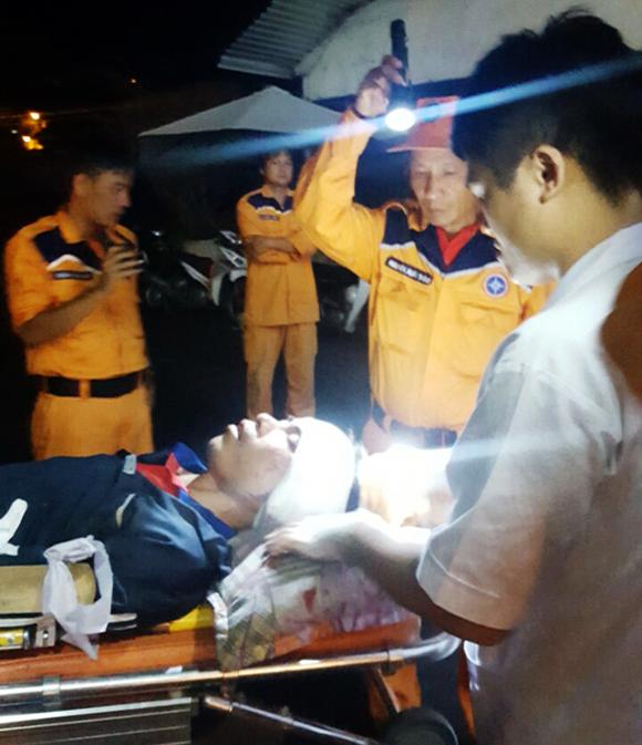 Hai ngư dân Bình Định gặp tai nạn lao động khi đánh bắt trên biển ảnh 1