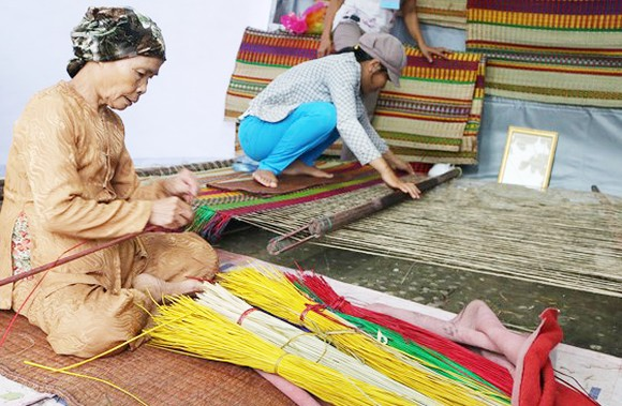 Hỗ trợ dịch vụ tài chính cho người lao động nghèo ảnh 1