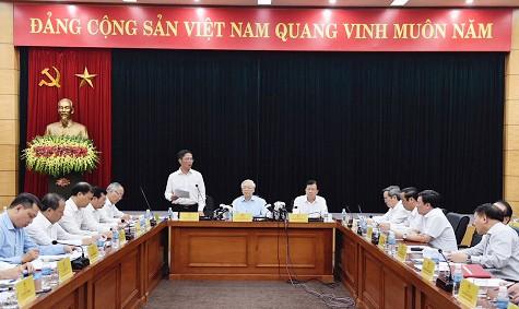 Tổng Bí thư Nguyễn Phú Trọng làm việc tại Bộ Công thương ảnh 2