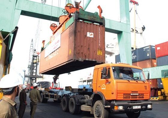 Công khai giá dịch vụ bốc xếp hàng hóa tại các cảng
