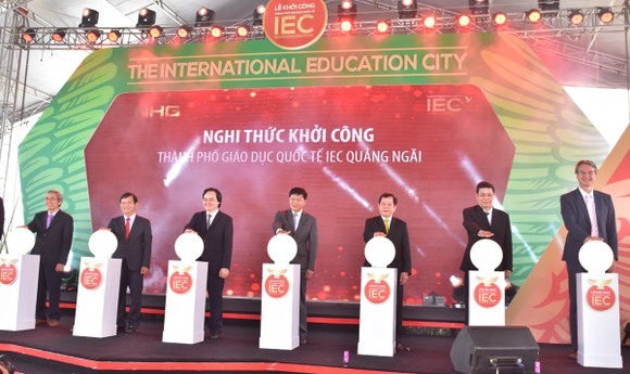Tập đoàn giáo dục Nguyễn Hoàng nói gì về việc mua lại cổ phần của Đại học Hoa Sen? ảnh 2