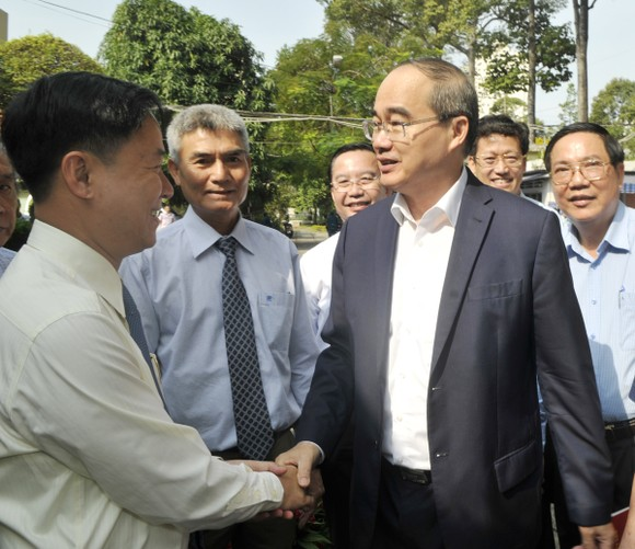 Bí thư Thành ủy TPHCM Nguyễn Thiện Nhân: Thu nhập tăng thêm phải gắn với hiệu quả làm việc ảnh 2