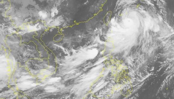 Áp thấp nhiệt đới trên biển Đông, mưa lũ dồn dập ảnh 1