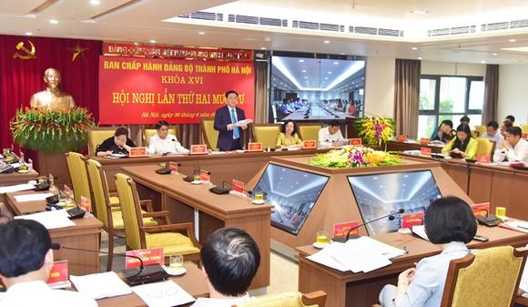 Bí thư Thành ủy TP Hà Nội Vương Đình Huệ phát biểu tại hội nghị. Ảnh: hanoi