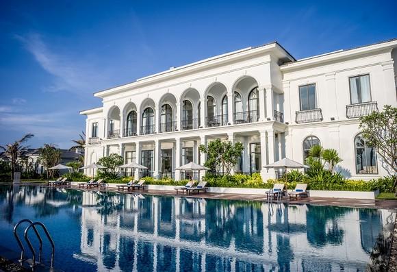 Vinpearl Resort & Spa Long Beach Nha Trang - ốc đảo xanh tuyệt đẹp bên bờ vịnh Cam Ranh.