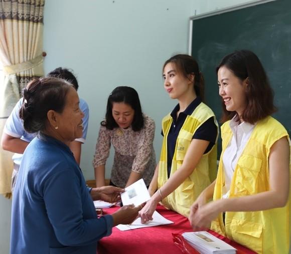 CapitaLand trao quà và học bổng cho hơn 1.400 học sinh tại 4 trường CapitaLand Hope nhân dịp Trung thu ảnh 4