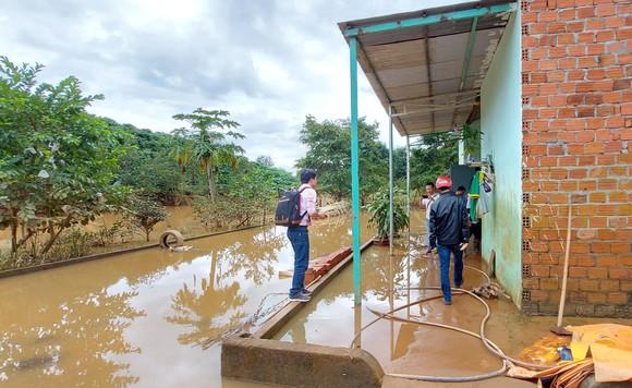 Thủy điện tích nước trái phép, làm khổ dân ảnh 1