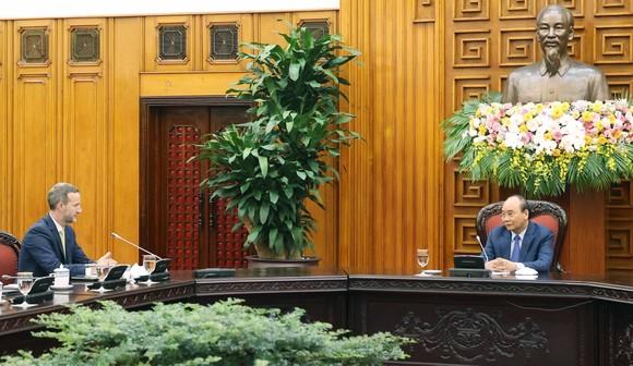 Thủ tướng Nguyễn Xuân Phúc tiếp ông Adam Boehler,  Tổng Giám đốc Cơ quan Phát triển tài chính quốc tế (DFC) Hoa Kỳ. Ảnh: TTXVN