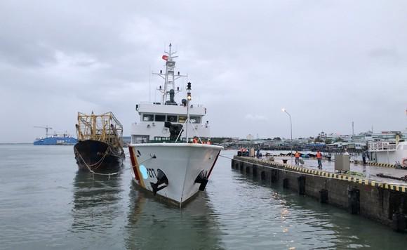 Tàu 277, Vùng 2 Hải quân cứu kéo tàu cá bị nạn về đến Vũng Tàu ảnh 1