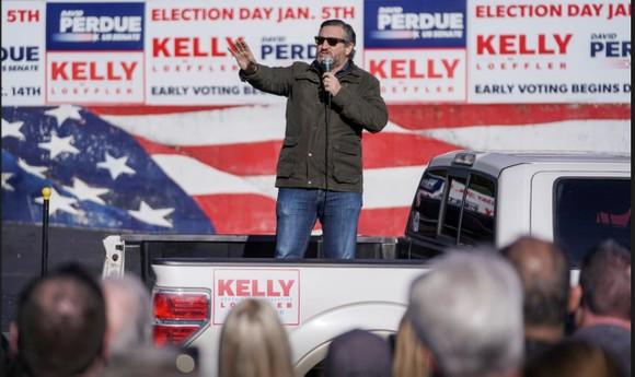 Thượng nghị sĩ đảng Cộng hòa Ted Cruz tại buổi nói chuyện ở Georgia, Mỹ, 2-1-2021. Ảnh: REUTERS