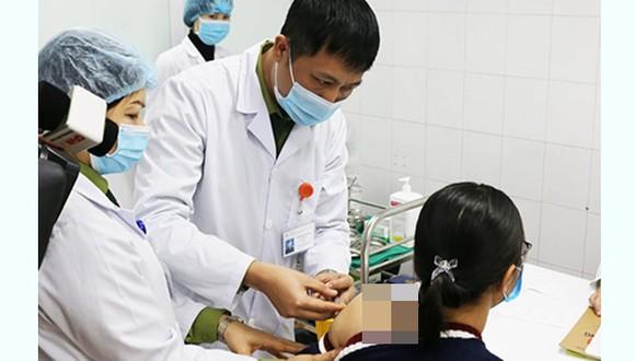 Nữ tình nguyện viên được tiêm vaccine phòng Covid-19 Nano Covax liều cao nhất