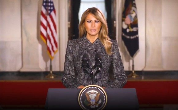 Đệ nhất phu nhân Mỹ Melania Trump đưa ra thông điệp video chia tay Nhà Trắng, trong clip dài 6 phút, ngày 18-1. Ảnh cắt từ clip