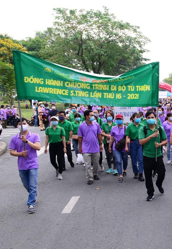 Chương trình đi bộ từ thiện Lawrence S. Ting lần thứ 16: Trao 2,8 tỷ đồng ủng hộ người nghèo ảnh 1