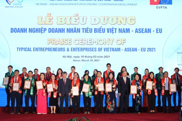 HDBank là doanh nghiệp dẫn đầu các ngành Việt Nam - ASEAN - EU ảnh 2