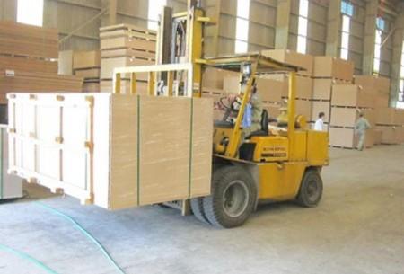 Sản xuất gỗ MDF tại Nhà máy MDF Quảng Trị