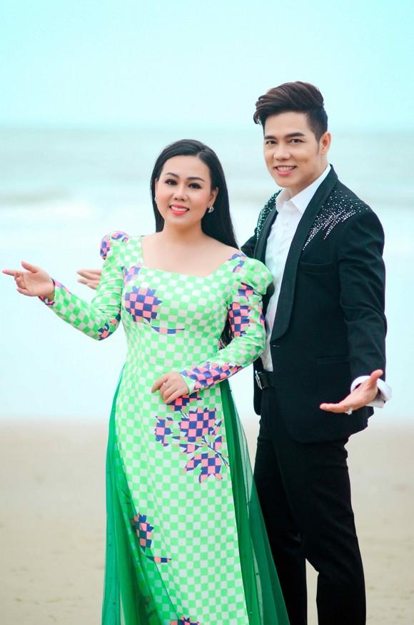 Ca sĩ Lưu Ánh Loan: Giọng hát trữ tình hàng triệu view trên youtube     ảnh 2