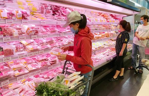 TPHCM: Giá thủy sản, thịt tươi ổn định ảnh 1