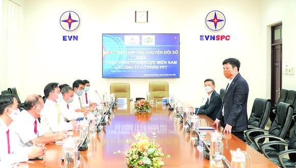 EVNSPC hợp tác với FPT để số hóa hoạt động sản xuất kinh doanh ảnh 1