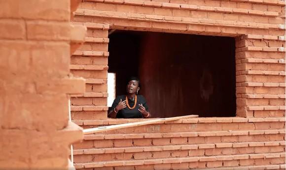 Công trình sử dụng gạch làm từ đất đỏ ở Senegal