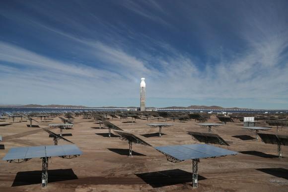 Nhà máy điện mặt trời đầu tiên tại Mỹ Latinh  ảnh 1
