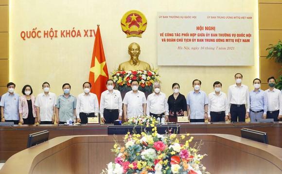 Chủ tịch Quốc hội Vương Đình Huệ và các đại biểu tham gia hội nghị. Ảnh: TTXVN