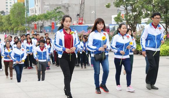Ra quân các hoạt động tình nguyện hè tại CHDCND Lào ảnh 3