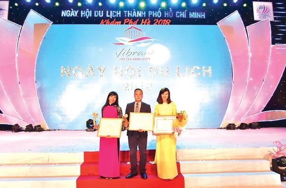 Viettours được bình chọn tốp 10 doanh nghiệp lữ hành quốc tế hàng đầu TPHCM ảnh 1