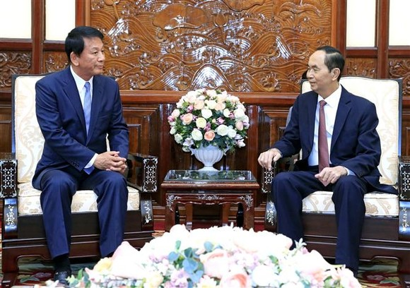國家主席陳大光(右)接見越-日特別大使杉良太郎。(圖源:顏創)